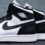 Air_Jordan_1_Kids_OG_Black_White_Sneaker_Politics_2_1024x1024
