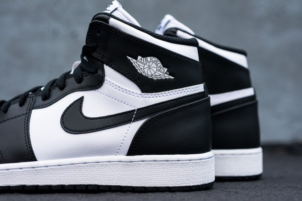 Air_Jordan_1_Kids_OG_Black_White_Sneaker_Politics_2_1024x1024