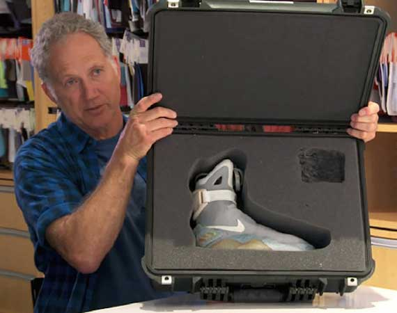 TINKER-HATFIELD-AIR-MAG-2015-RELEASE-WITH-POWER-LACES-1